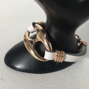 Jewelry - ⏰ Gorgeous White Leather Bracelet